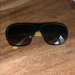 Kenneth Cole Reaction Unisex Sunglasses